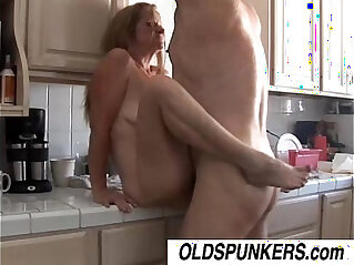 Gorgeous babe loves to fuck