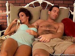 Pretty pregnant brunette girl loves the taste of cum