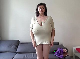 Euro MILF plays with macromastia hanging breasts
