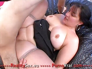 Fat slut gets fucked ! Grosse salope bien enculee !! French amateur