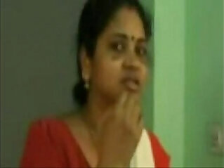 Scene Of Tamil Aunty Fucking herself With Her Coloader Porn music Video