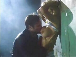 Pamela Anderson against the wall sex scene