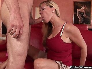 Milf Nicole Moore swallows a cum load