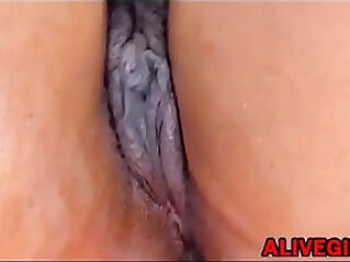 Big botty SQUIRTLOVE BRUNETTE squirting phat pussy ALIVEGIRL