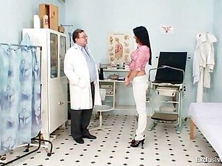 Brunette lesbian babe Melissa Ria and dirty doctor
