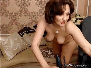 Russian mature toys her ass on webcam