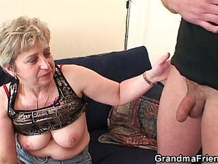 Nasty granny toying before double fuck