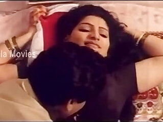 Aunty Hot Romantic Scene In Elamai Unarchigal Babilona, Uday